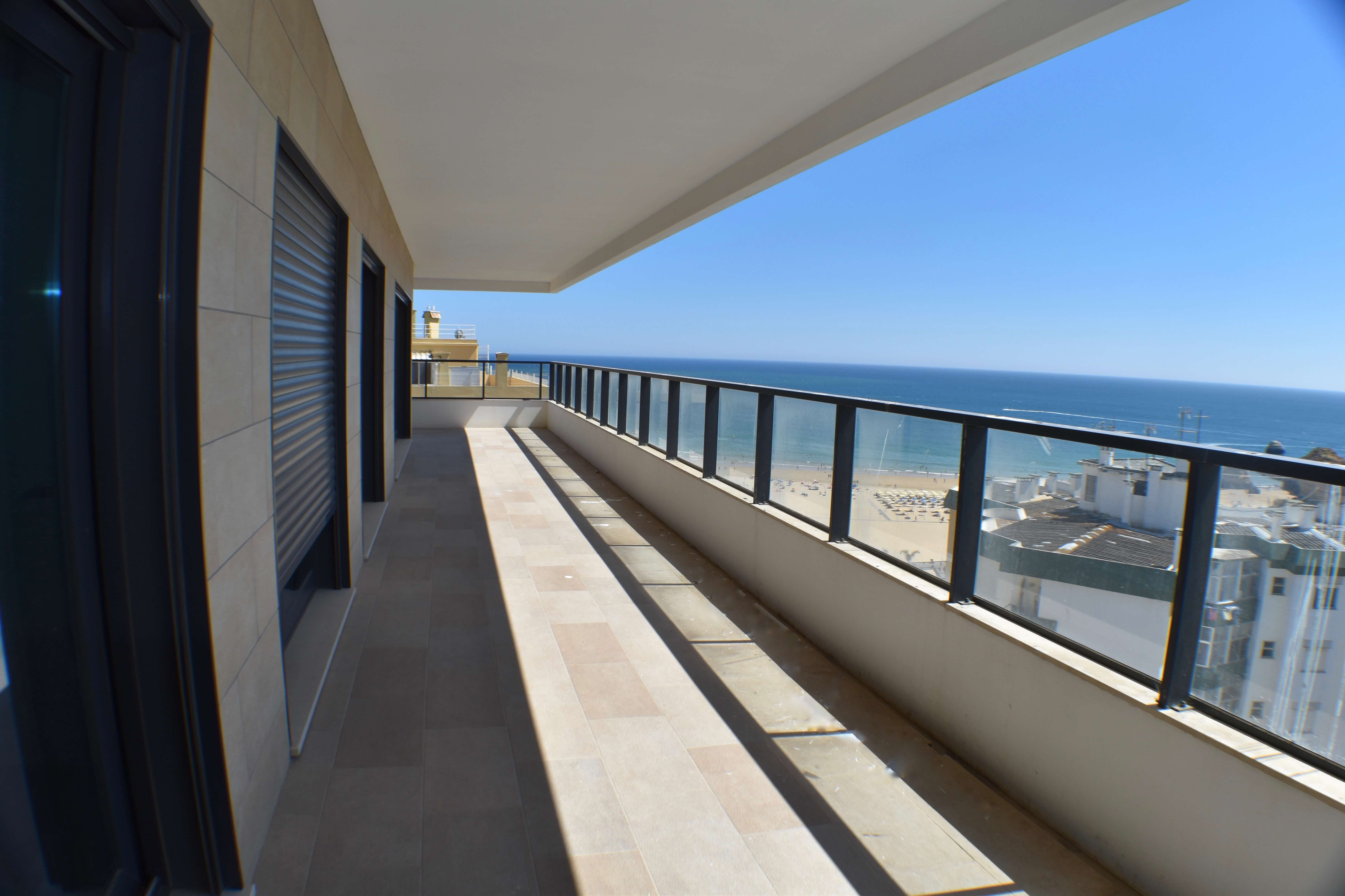Portugal in pictures Luxury 3 Bedroom Penthouse with Sea Views in Portimão  - Apartments