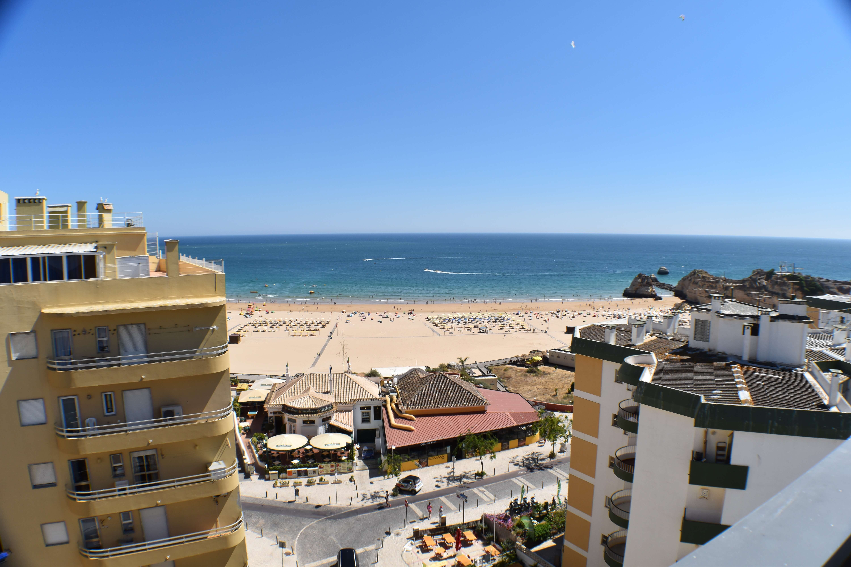 Algarve Luxury 3 Bedroom Penthouse with Sea Views in Portimão  - Portimão