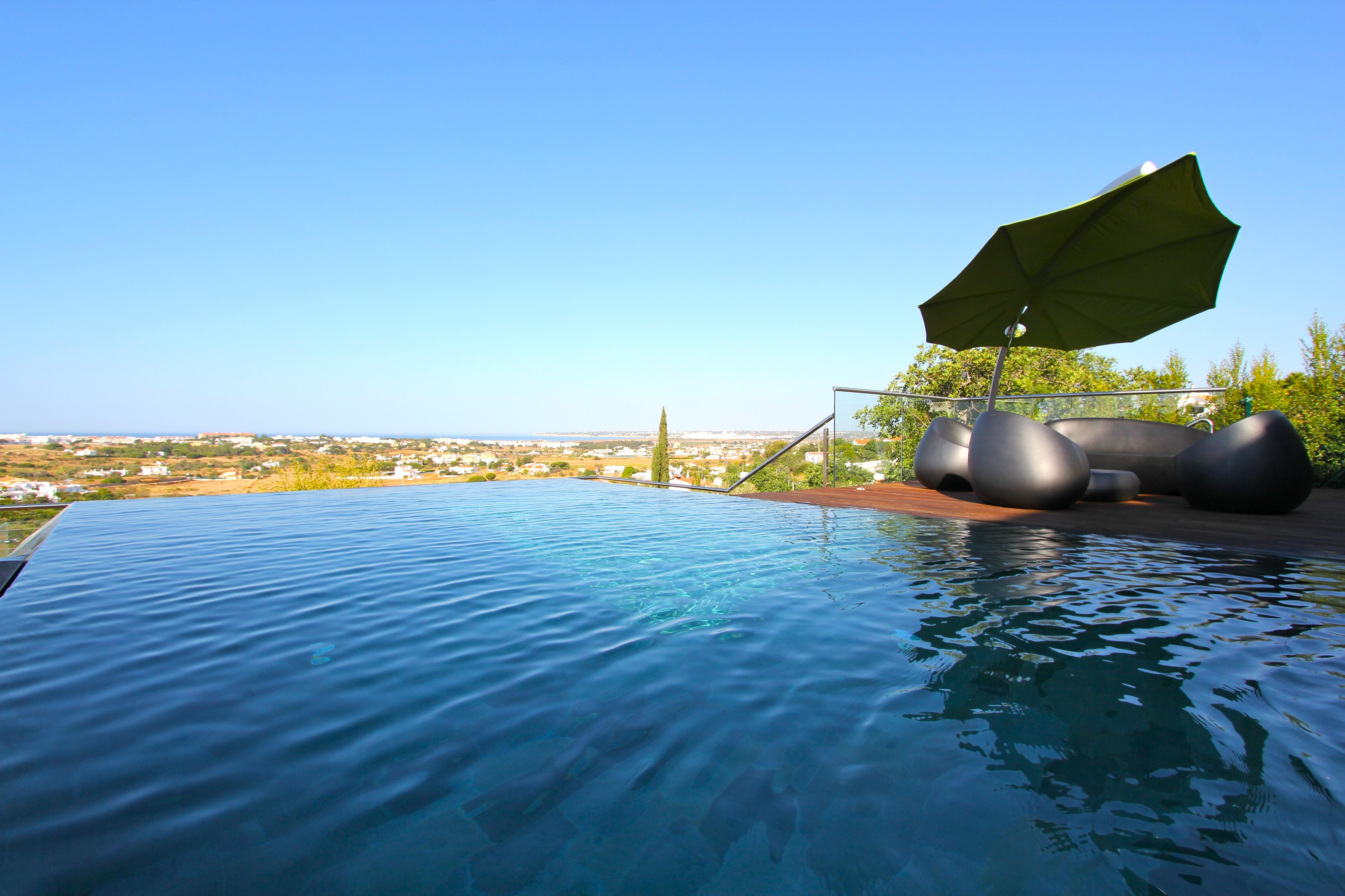 Stunning Contemporary 4 Bedroom Villa  - Stunning contemporary style 4 bedroom villa with sweeping sea views and