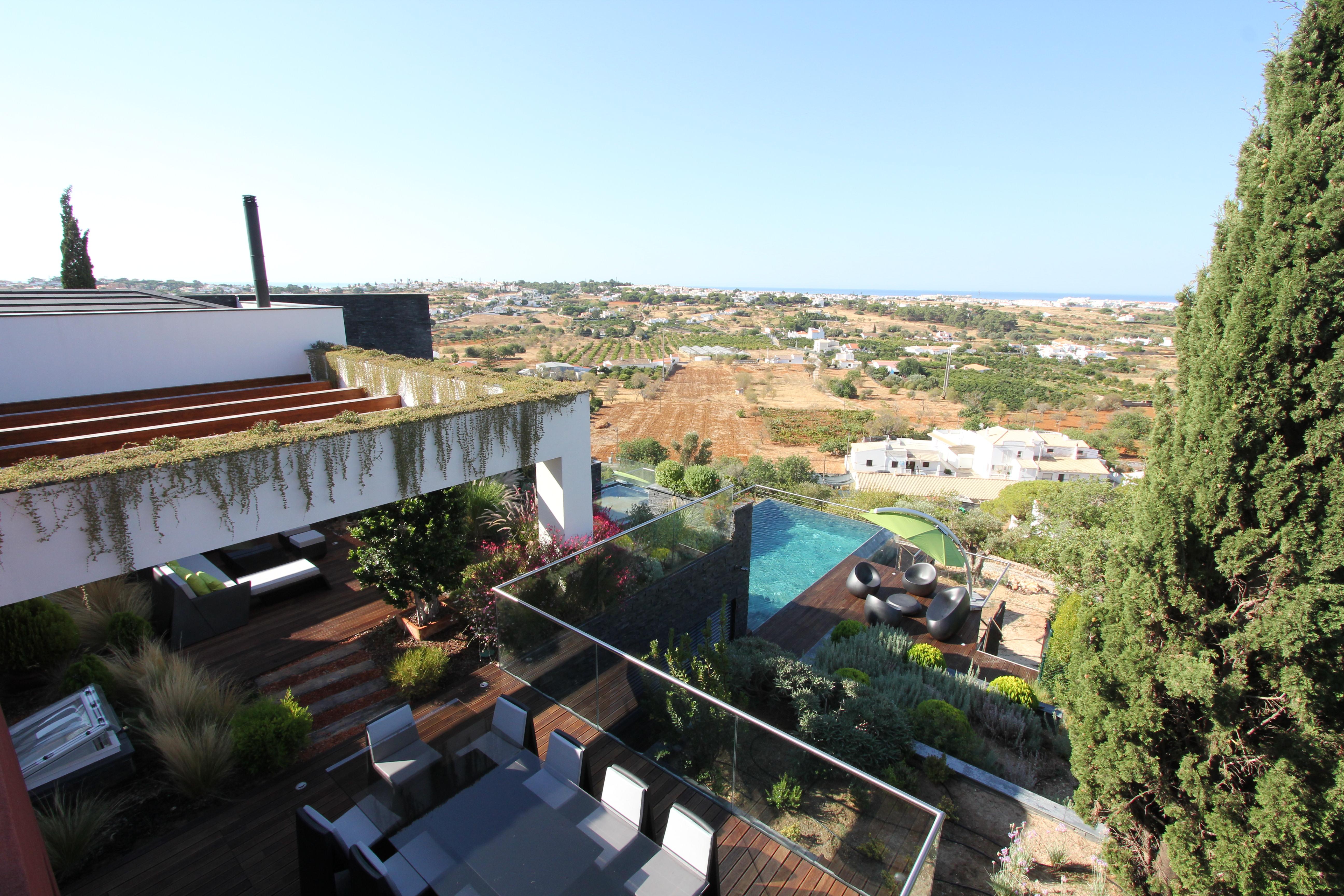 Portugal - Stunning Contemporary 4 Bedroom Villa