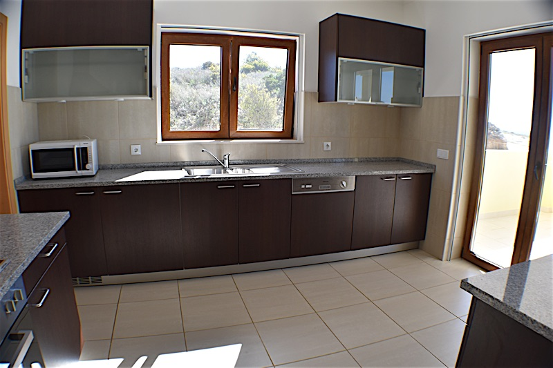 /span> Two storey 4 bedroom villa is located on an elevated