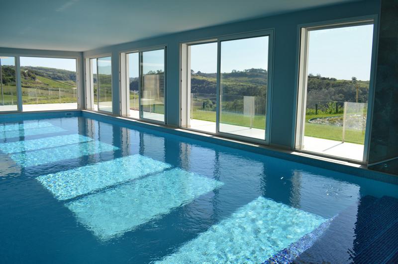 Photos Luxury Villa with Indoor Heated Pool in Alcobaça