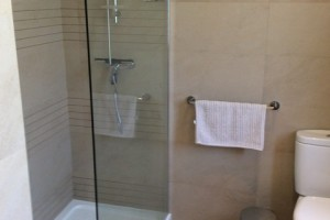 22-shower-room