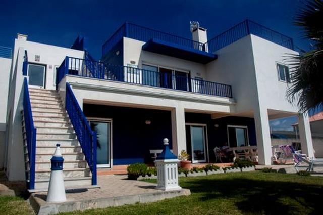 Вилла с Шикарным Видом на Океан в Лоуринье  - Дом на побережье с бассейном у пляжа Порту ду Динейру Двухэтажная