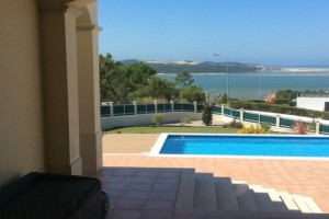 pool-and-views