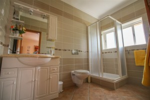 http-3a-2f-2fbo-idealhomesportugal-com-2fpropertyfiles-2f32938-2f2ndbedroomensuite_20160921