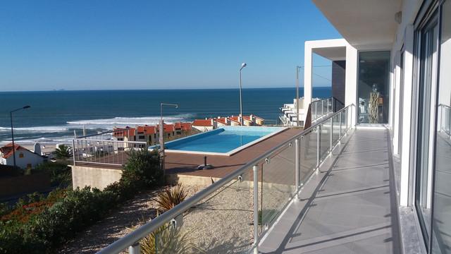 Portugal in pictures Villa with Views of the Atlantic Ocean in Foz do Arelho  - Villas