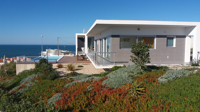 Villa with Views of the Atlantic Ocean in Foz do Arelho  - Beautiful detached villa with 3 en-suite bedrooms, infinity swimming pool and