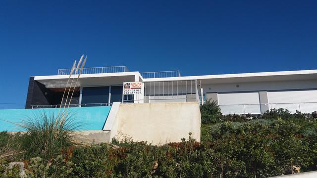 Portugal - Villa with Views of the Atlantic Ocean in Foz do Arelho