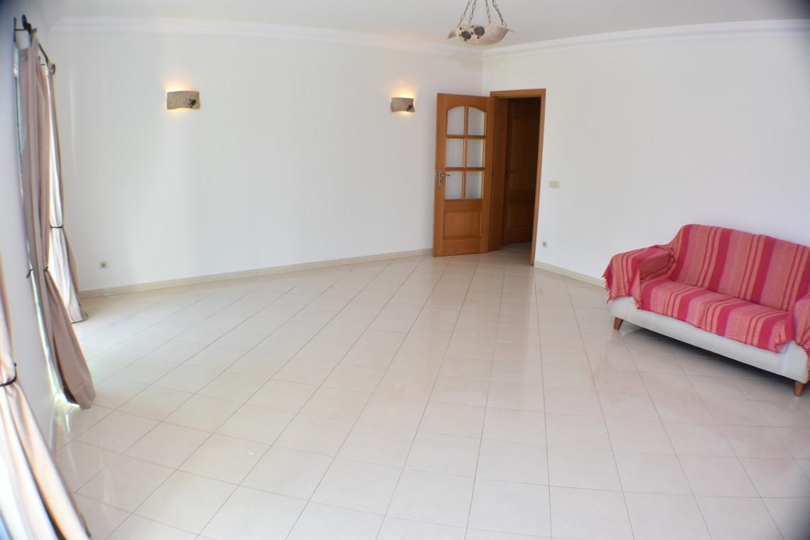 Fantastic 2 Bedroom Apartment in Albufeira  - Spacious apartment in a residential area of Albufeira Spacious 2-bedroom apartment