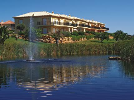 Portugal in pictures 3 Bedroom linked villa in a Golf Resort  - Townhouses