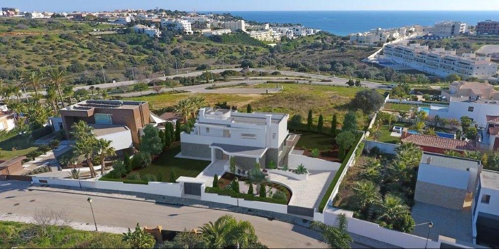 Portugal in pictures Desirable 3 bedroom villa in Porto de Mós  - Villas