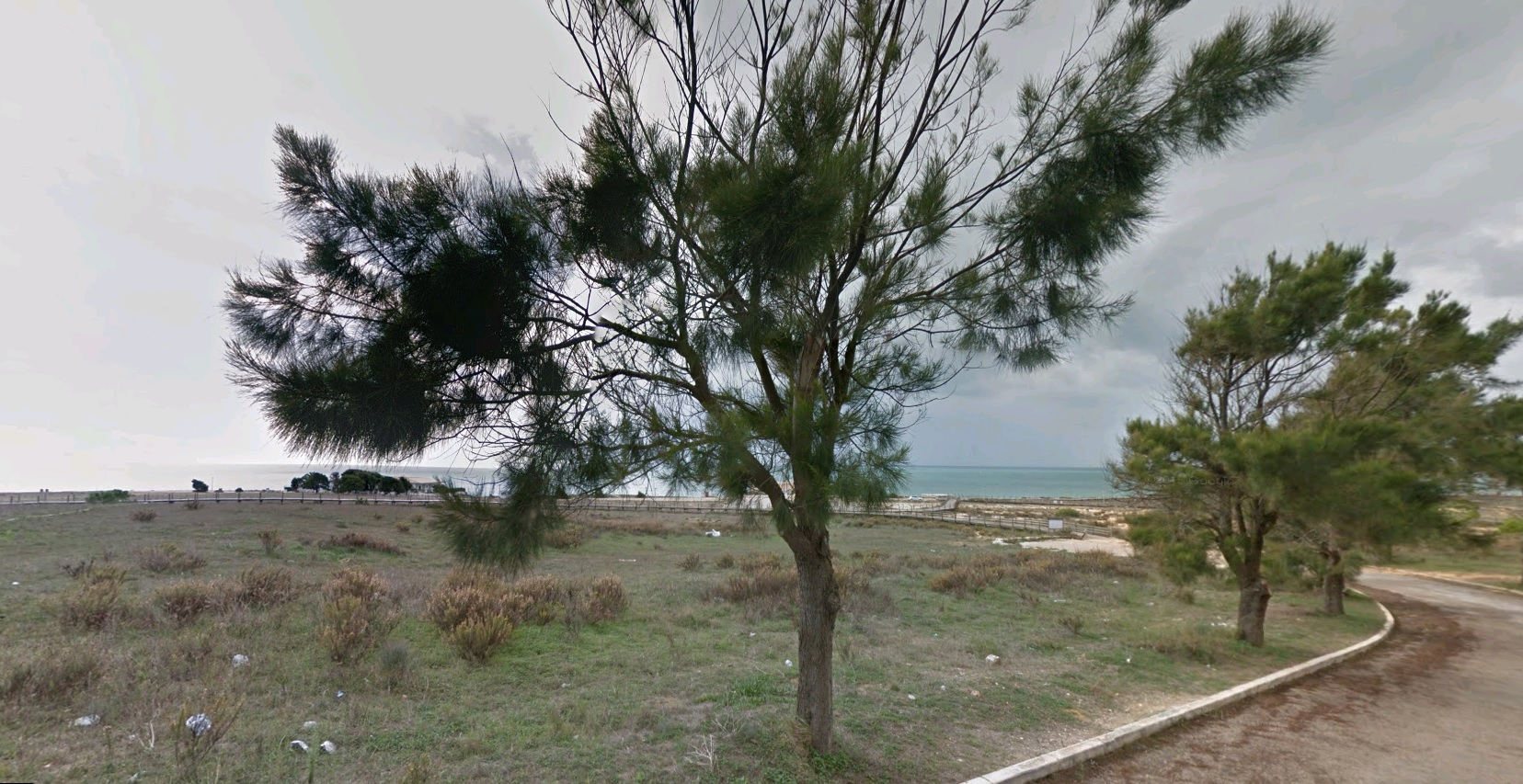 Plot of land overlooking the beach The location of this plot Seafront Building Land in Prestigious Development  - Algarve
