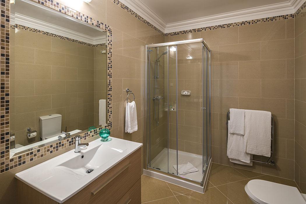 Villa individuelle neuf est situé dans le prestigieux Golf & Spa Nouvelle construction villa de 4 chambres avec vue sur le golf à Lagos  - Algarve