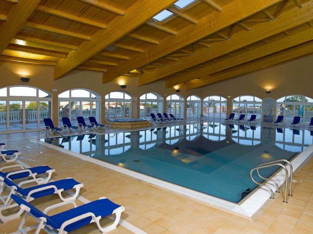 Portugal - Nouvelle construction villa de 4 chambres avec vue sur le golf à Lagos